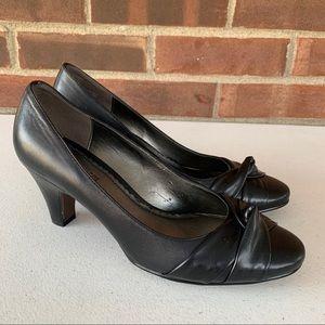 Naturalizer Treschic black leather slip on heels